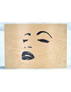 Tableau de visage de femme chantourné en bouleau.